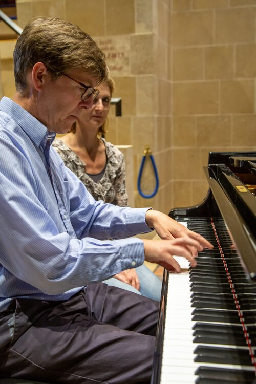 Jeremy Thurlow, lecture and recital on Woolf and Music